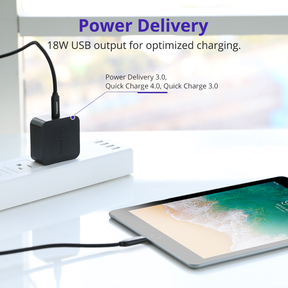 Power Delivery 18W USB output for optimized charging.